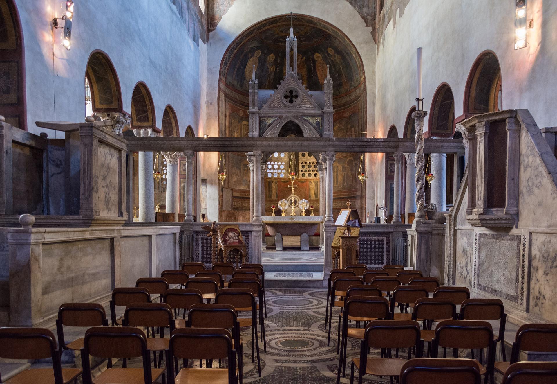 Interiér baziliky Santa Maria in Cosmedin